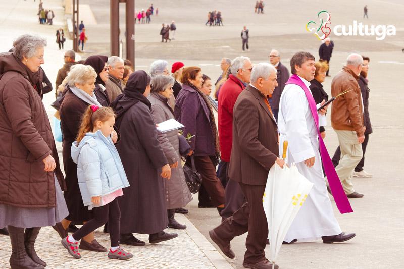 Missa no Santuário de Fátima: domingo de Ramos em Portugal