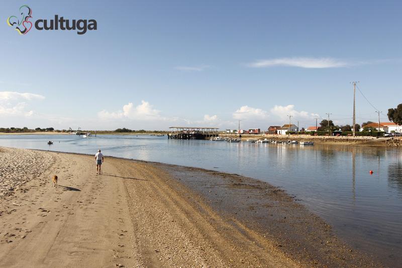 No passado, era por aqui o acesso a vila de pescadores de atum; agora, o Vila Galé Albacora