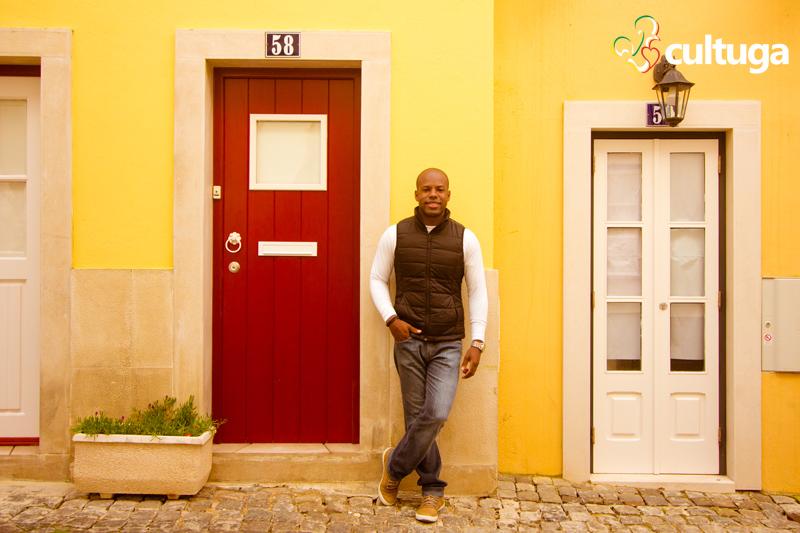 ensaio_fotografico_cultuga_Lisboa_photo_session_phooshot_Lisbon_Vila_do_castelo_de_sao_jorge_casas_tipicas_book_homem_viagem_.jpg