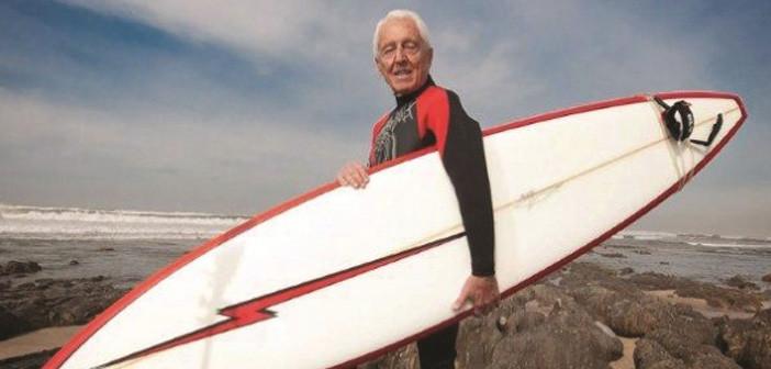 Conheça o primeiro surfista português