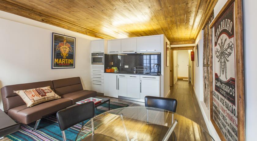 Sala de um dos apartamentos do Go2OPorto A-Portoments