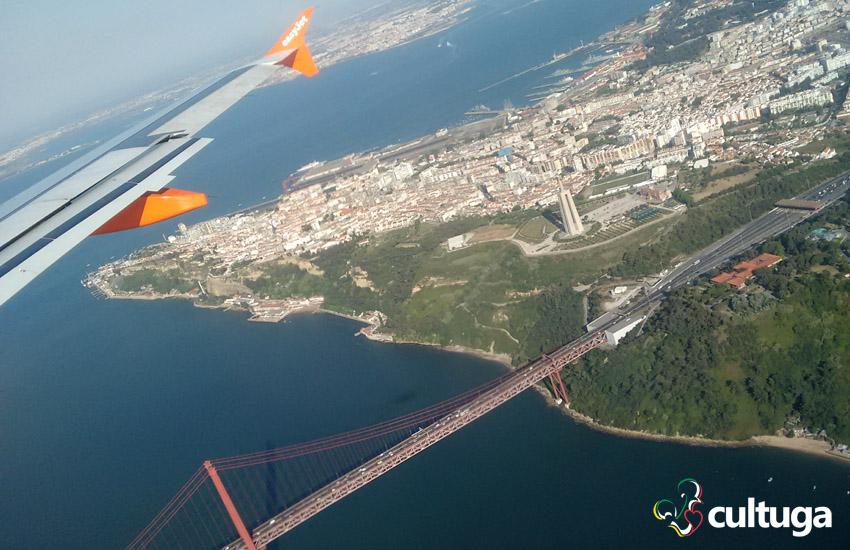 Lisboa vista do céu a partir do nosso voo da Easyjet