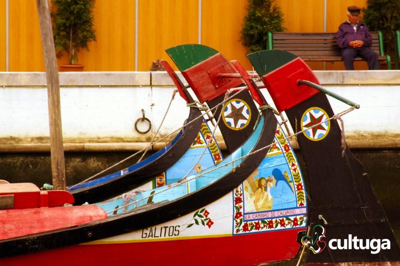 lugares_romanticos_em_portugal_lua_de_mel_bodas_aveiro_barcos_moliceiros