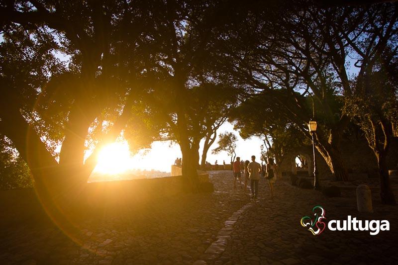 O que ver em Lisboa: pôr-do-sol no Castelo de São Jorge