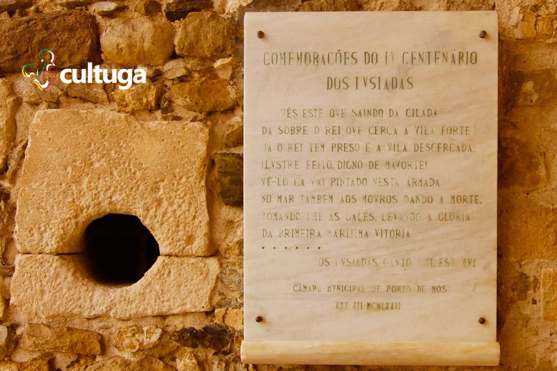 castelo_de_porto_de_mos_castelo_medieval_em_portugal_lusiadas