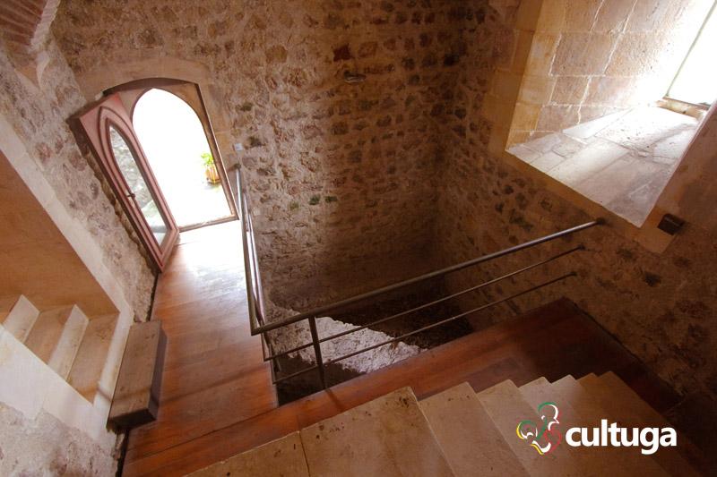 castelo_de_porto_de_mos_castelo_medieval_em_portugal_16