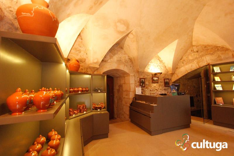 castelo_de_porto_de_mos_castelo_medieval_em_portugal_loja_2