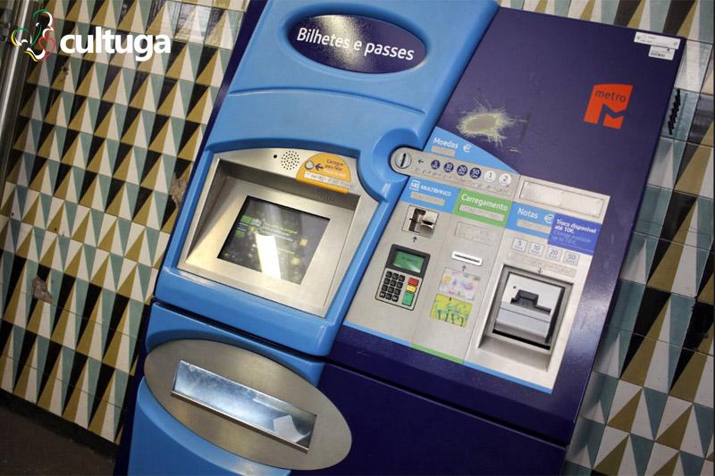 como-usar-metro-lisboa-maquina-bilhete
