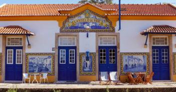 Pensão Destino: hotel em uma estação de trem de Portugal