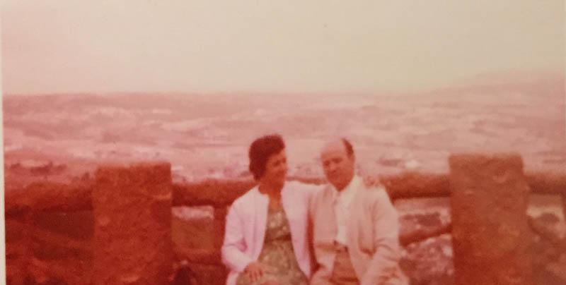Os pais delas, Graça e Germano, em Bragança, 1972