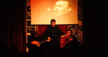 Músicos do Fado ao Centro no palco em Coimbra
