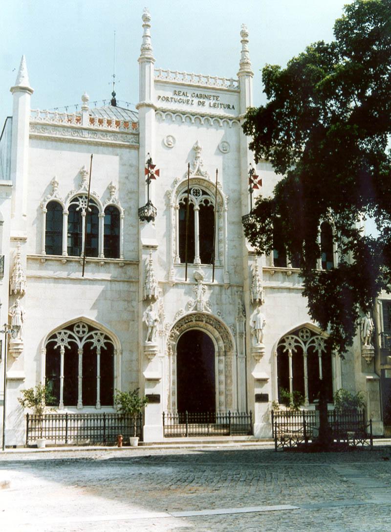 Fachada do Real Gabinete Português de Leitura no Rio de Janeiro
