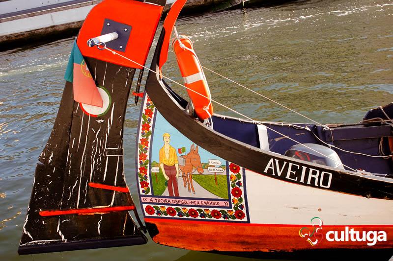 Roteiro em Aveiro - Portugal: passeio de barco moliceiro