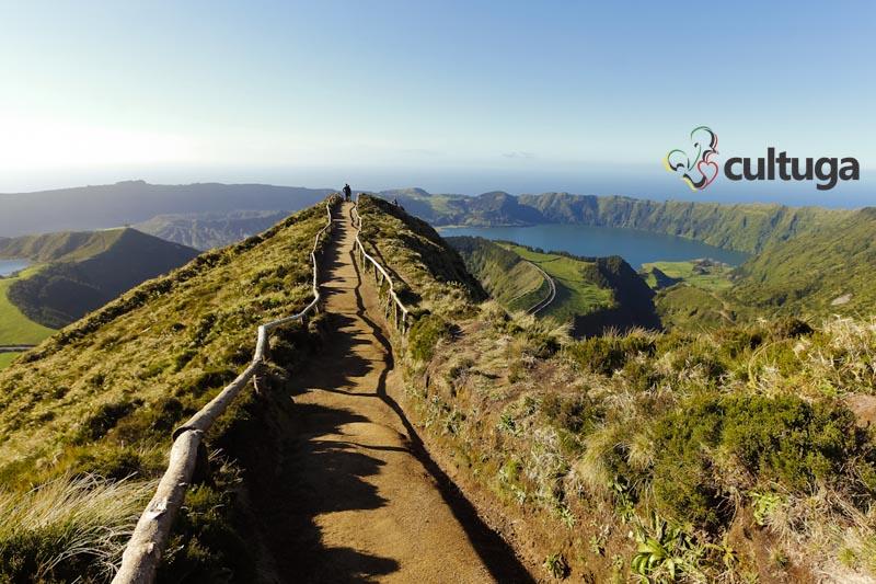Miradouro da Grota do Inferno, na Ilha de São Miguel, Açores - Portugal