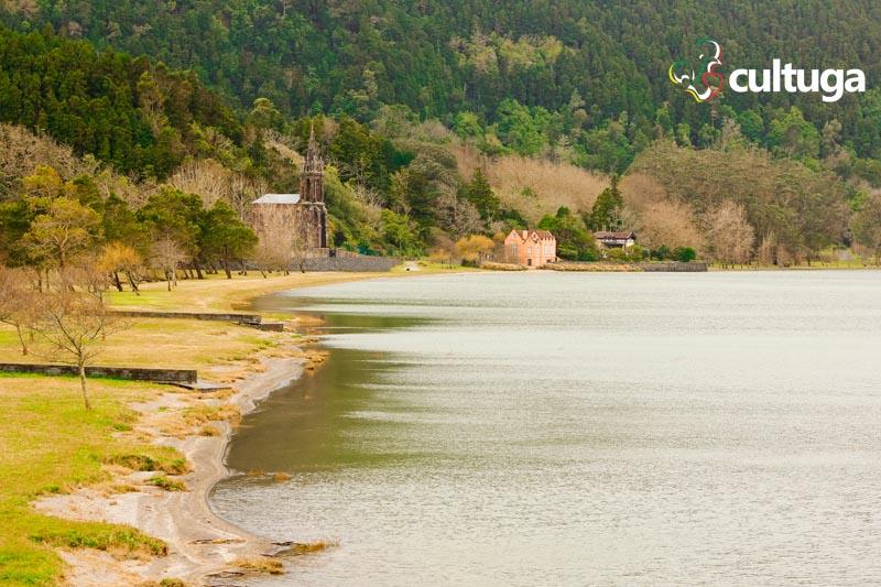 Lagoa das Furnas na Ilha de São Miguel, Açores