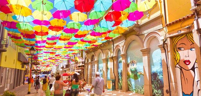 O que fazer em Águeda: roteiro com guarda-chuvas coloridos