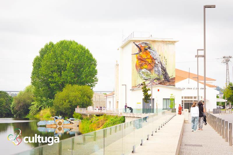 O que fazer em Águeda, Portugal: obra do Bordalo II