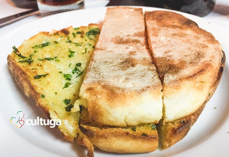 Pão português: bolo do caco