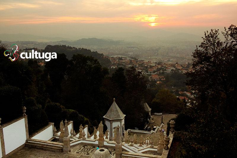 Vista de Braga a partir do Santuário do Bom Jesus do Monte, em Portugal