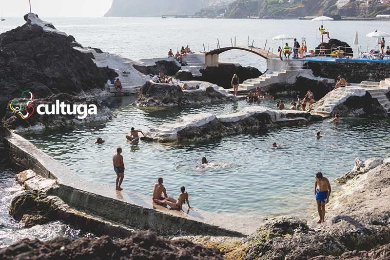 Doca do Cavacas: piscinas naturais na Ilha da Madeira - Portugal