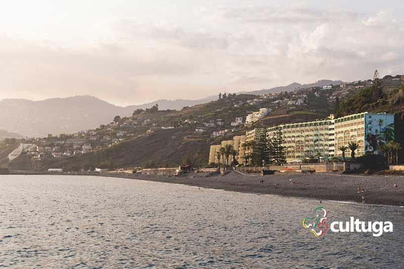 Praia Formosa, na Ilha da Madeira - Portugal