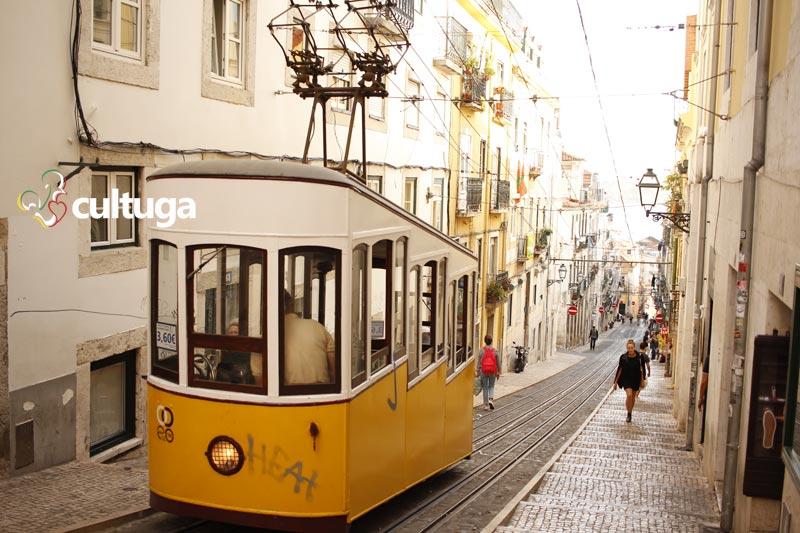 Ascensor da Bica, em Lisboa