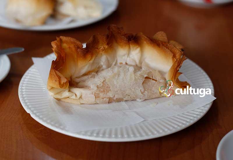 doces portugueses: pastel de santa clara