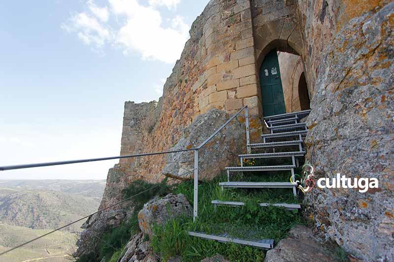 Trás os montes Portugal: Castelo de Algoso