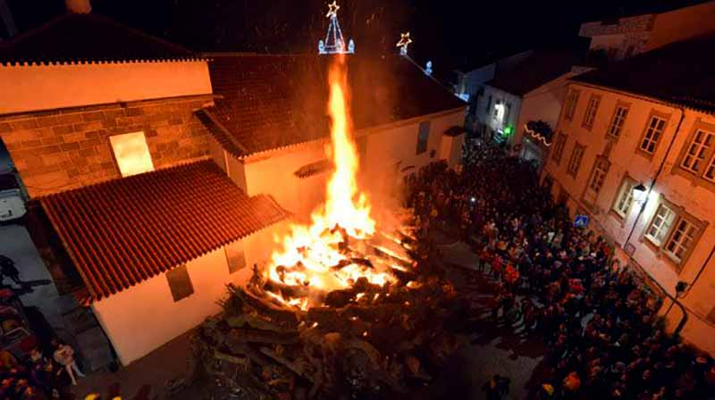 Natal em Portugal: Queima do Madeiro