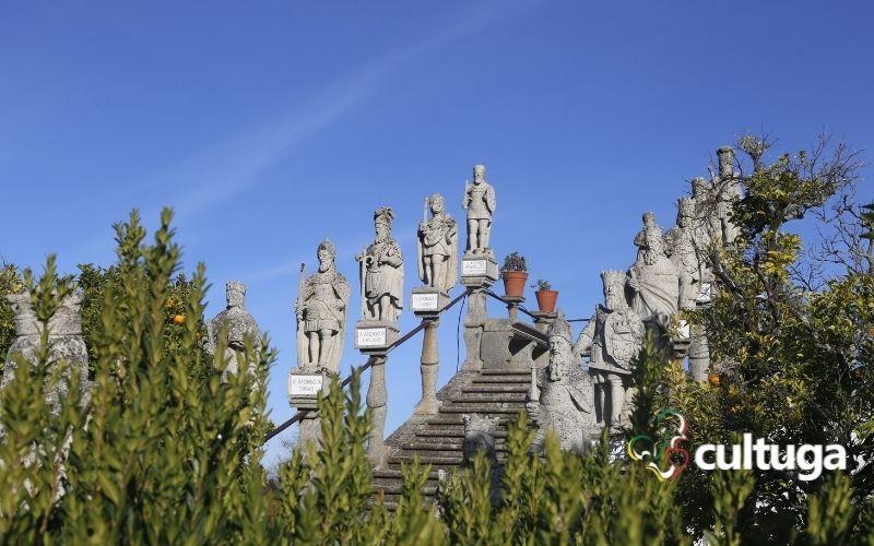 Jardim do paço episcopal: escadaria dos reis