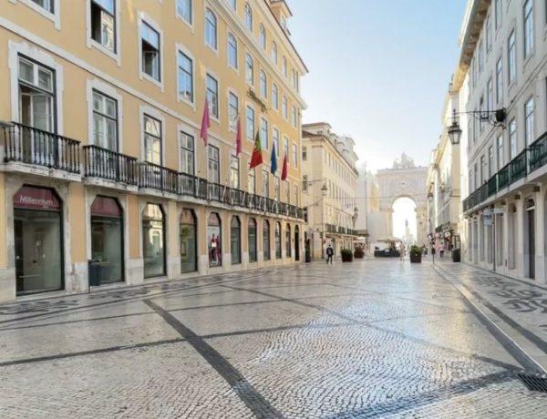 Rua Augusta: roteiro das principais lojas e a história da rua mais famosa de Lisboa!